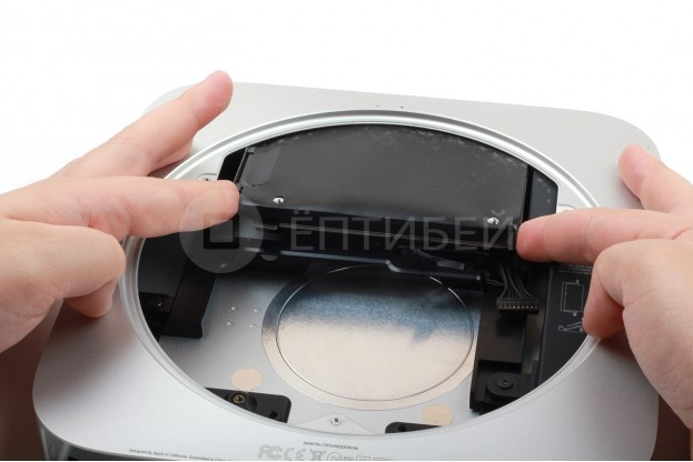 18 - Шаг 18 - Извлечение жесткого диска