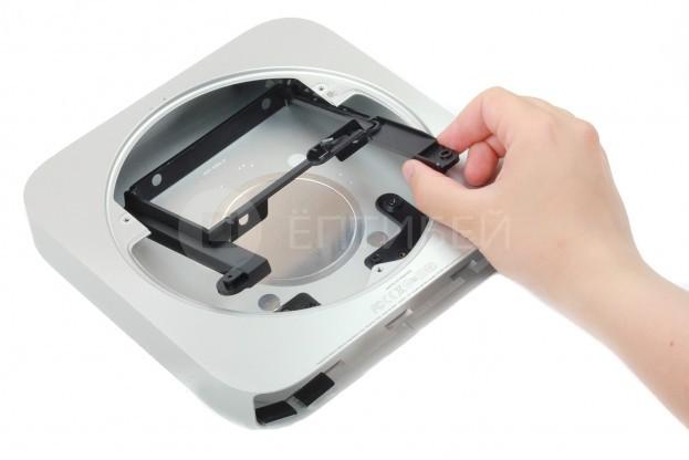 24 - Шаг 24 - Лоток для жестких дисков