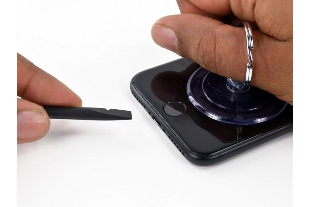 4 - Шаг 4 - Открытие телефона