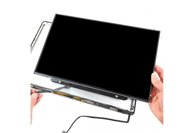 С установкой в MacBook (стоимость установки матрицы)