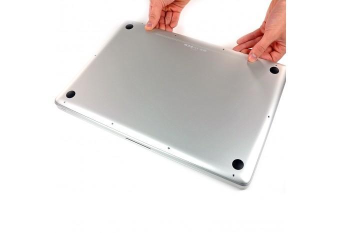 С установкой в MacBook (стоимость установки нижней крышки)